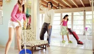 vệ sinh cửa lưới chống muỗi